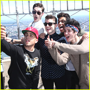 Midnight Red Take Over The Empire State Building's Observatory