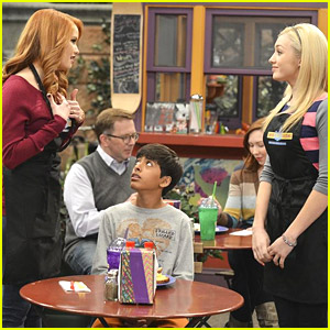 Peyton List Gets Bossy Over Debby Ryan on 'Jessie'