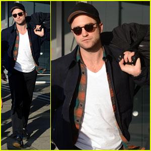 Robert Pattinson Spills Secrets on Avoiding Photographers in L.A.