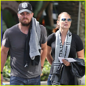 Stephen Amell Takes Wife Cassandra Jean to LA Kings Game