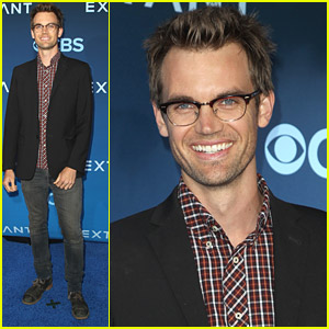 Tyler Hilton Steps Out For 'Extant' Premiere