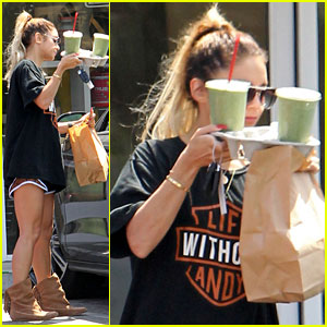 Vanessa Hudgens Covers Her Face with Yummy Green Smoothies!