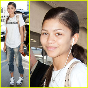 Makeup Free Zendaya Says She is Far from Perfect!