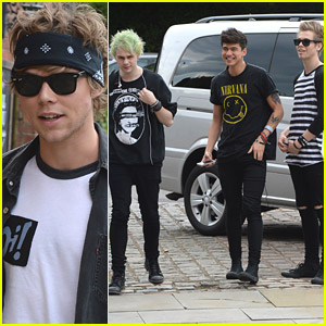 Ed Sheeran Covers 5 Seconds of Summer's 'She Looks So Perfect'