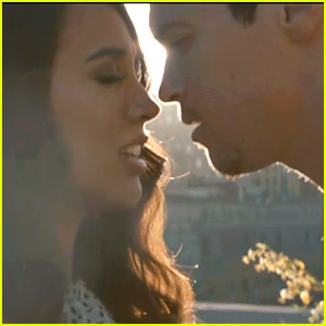 Alex & Sierra Debut 'Scarecrow' Video & It's Cuteness Overload