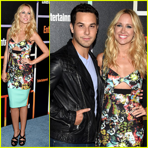Anna Camp & Skylar Astin Couple Up for EW's Comic-Con Party