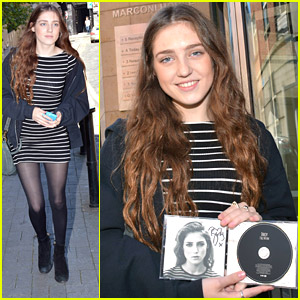 Birdy Takes 'Fire Within' To Dublin