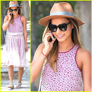 Jamie Chung Juices Up Before Holiday Weekend