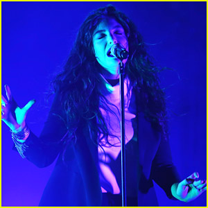 Ever Wonder What Lorde's 'Royals' Sounds Like In Irish? We'll Give You A Hint - It's Amazing!