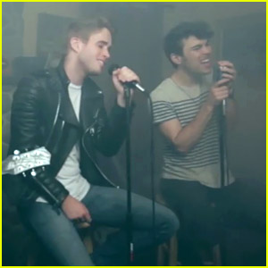 Max Schneider & The Summer Set Mash Up 'Shot of Pure Gold' & 'Lighting In A Bottle' - Watch Here!