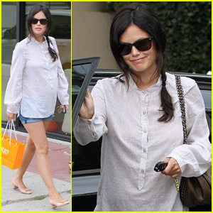 Rachel Bilson Prepares for Her Baby By Stopping by Some Boutiques