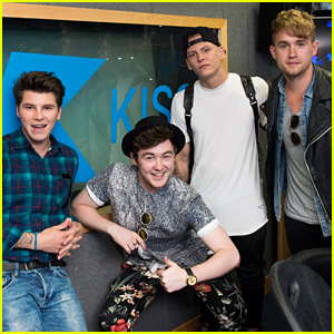 Rixton's Jake Roche is 'Constantly Naked'!
