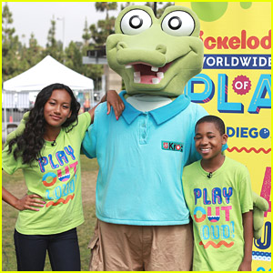 Instant Mom's Sydney Park & Tylen Williams Kick Off 'Road To Worldwide Day of Play'