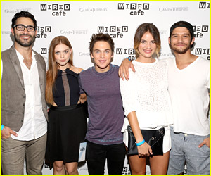 The Cast of Teen Wolf Celebrates 5th Season Announcement at Comic Con 2014!