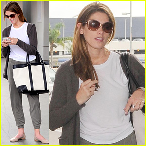 Ashley Greene Returns to L.A. After Reuniting with Nikki Reed in NYC