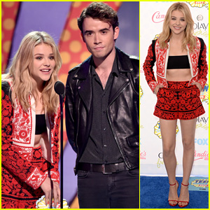 Chloe Moretz is All About the Midriff at Teen Choice Awards 2014