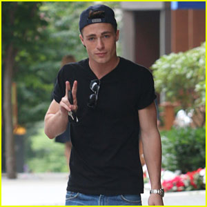 Colton Haynes Does the Ice Bucket Challenge with Emily Bett Rickards - Watch Here!