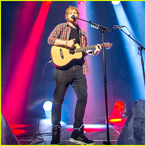 Ed Sheeran Performs for a Giant Crowd in Las Vegas!