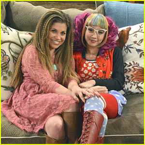 Riley Goes Geeky & Topanga Relives The Past In An All-New 'Girl Meets World'