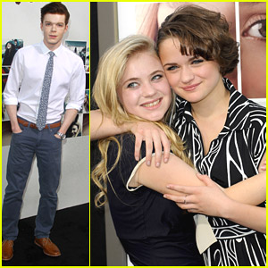 BFFs Joey King & Sierra McCormick Get Super Silly At 'If I Stay' Premiere
