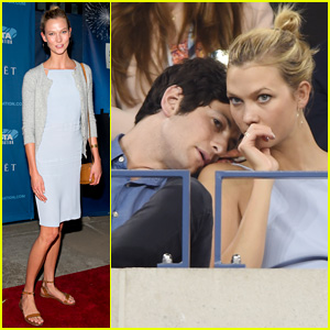 Karlie Kloss Takes in Some Tennis at U.S. Open!