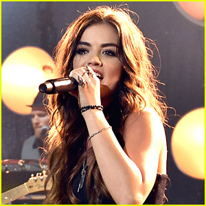 Lucy Hale Covers Dolly Partons Jolene It Sends Chills