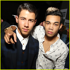 Nick Jonas Reunites with 'Camp Rock' Pal Roshon Fegan at VMAs After-Party