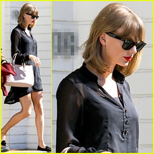 Taylor Swift Is Getting Ready to Shake It Off at the VMAs