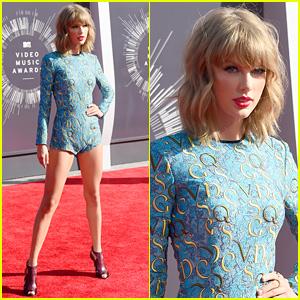 Taylor Swift Displays Long Legs in Tiny Romper at MTV VMAs 2014!