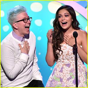 Bethany Mota & Tyler Oakley WIN The Web at Teen Choice Awards 2014