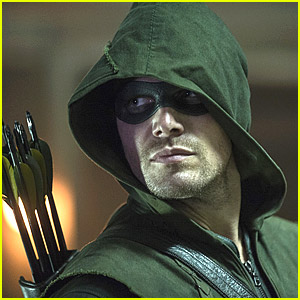Check Out New Stills From 'Arrow's New Season!