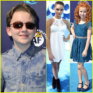 Benjamin Stockham & Paris Berelc Stop By the 'Dolphin Tale 2' Premiere!
