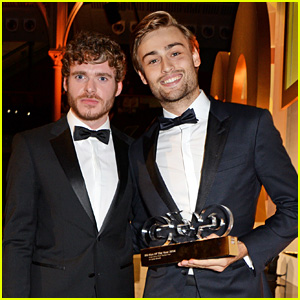 Douglas Booth & Richard Madden Both Rock Bow Ties at GQ Men of the Year Awards 2014