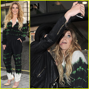 Ella Henderson Gives a Haunting Rendition of 'Say Something'