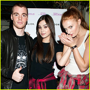 Hailee Steinfeld & Sophie Turner Get Silly at 'Barely Lethal' Screening (Exclusive Pics)