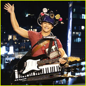 Hunter Hayes Was Under The Weather But Still Was The Best One Man Band Ever On 'Kimmel'