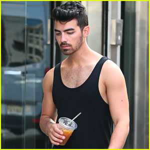 Joe Jonas Biceps