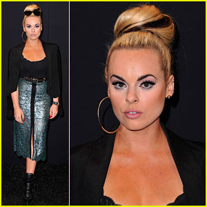 Katy Tiz Strikes a Pose During New York Fashion Week!