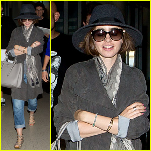 Lily Collins Returns to the States in Style!