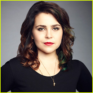 Parenthood's Mae Whitman Describes Ryan & Amber's Relationship with a Taylor Swift Song