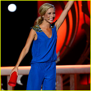 Miss America Performs 'Cups' & Anna Kendrick Has Something to Say About It!