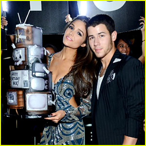Nick Jonas Had a 'Jealous'-Themed Birthday Cake!