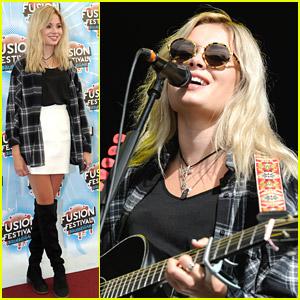 Nina Nesbitt Names New Custom Guitar Wednesday Addams