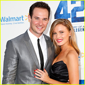 'Pretty Little Liars' Actor Ryan Merriman Marries Kristen McMullen!