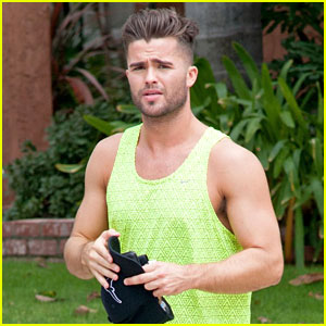 Spencer Boldman Practices His French!