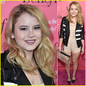 Melissa & Joey's Taylor Spreitler Makes a Stylish Entrance at National Wing Women Weekend!