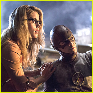 Felicity Visits Barry Allen On Tonight's 'The Flash' - See The Pics!