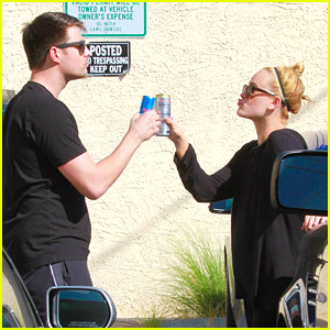 Jonathan Bennett & Peta Murgatroyd Had A 'Lady & The Tramp' Moment & It's Kind of Adorable On All Levels