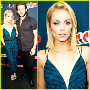 Laura Vandervoort Heads Home For Thanksgiving After NY Comic Con