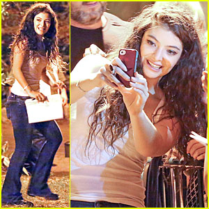 Lorde Makes Time For Fans After Sold-Out Concert at Greek Theatre
